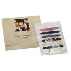 Швейный набор в картоне (нитки, иголка, пуговицы, булавка), (Серия «Сакура»)